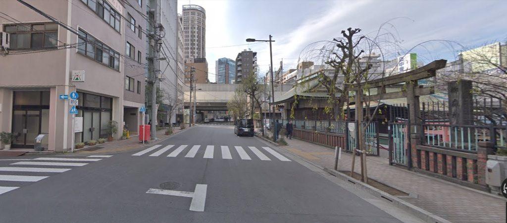 右側に柳森神社
